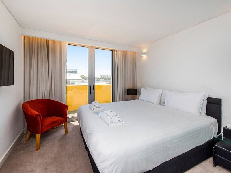 The Nest - Cosy Space on Newcastle Street with Roof Terrace, vacation rental in North Perth