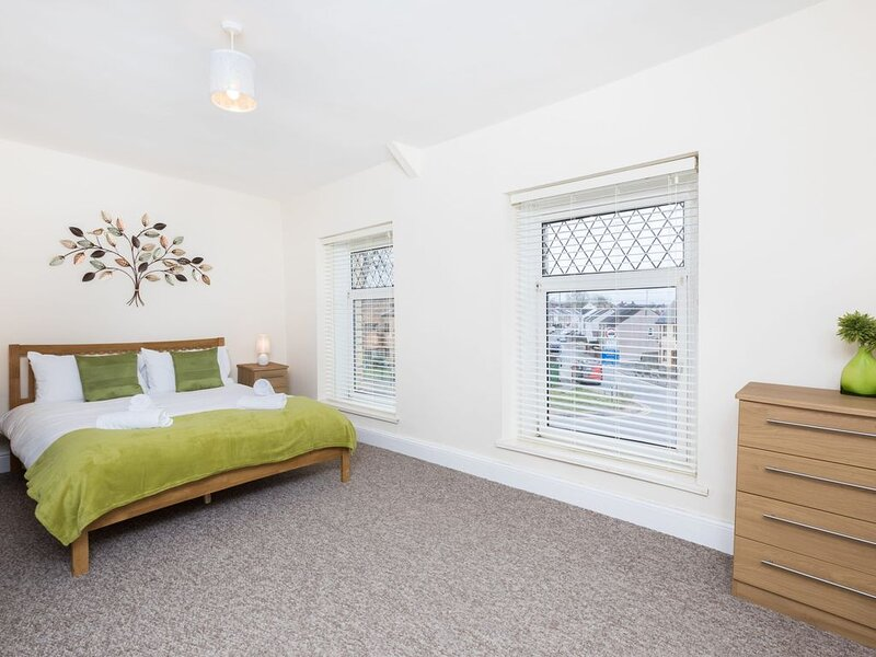 Castle Retreat - 3 Bed House, aluguéis de temporada em Pontlliw