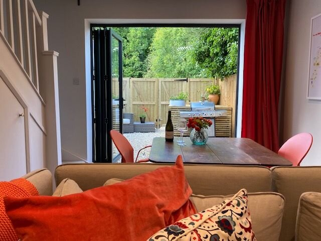 Cotswold Luxury Coach House - ideal for couples, w/ EV charging, holiday rental in Colesbourne