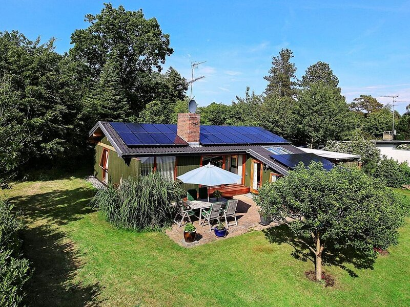 Charming Holiday Home in Gilleleje Denmark with Spa, vacation rental in Copenhagen Region