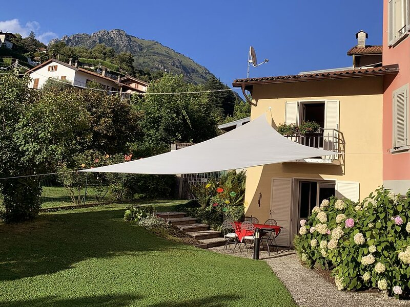 Casa Cristina confortevole proprietà a pochi passi dei Laghi di Lugano e Como., holiday rental in Porlezza