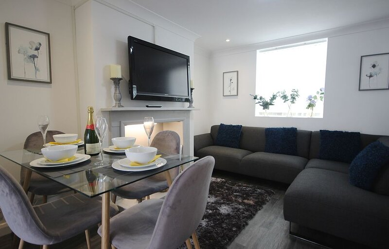The Garden Flat, in Deal, Kent is a light and modern ground floor apartment slee, vacation rental in Great Mongeham