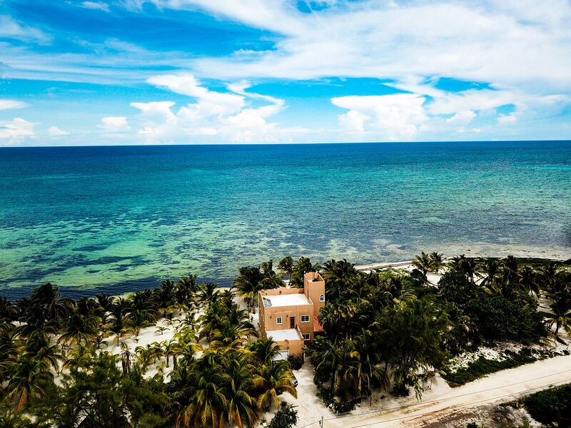 Casa K'iin-Ha: Caribbean oceanfront retreat with a private, secluded beach, holiday rental in Mahahual