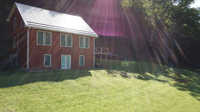 3 Story House on New River, location de vacances à Galax