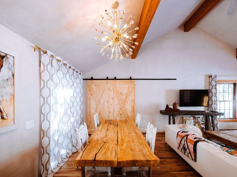 Contemporary mountain cabin minutes from Aspen/Snowmass, vacation rental in Basalt