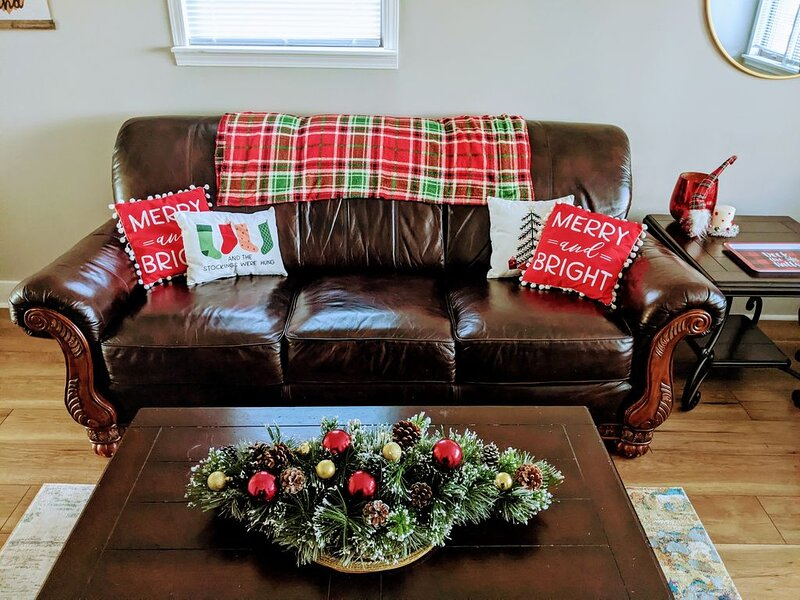 Cozy Holiday Getaway ��, holiday rental in Sandusky