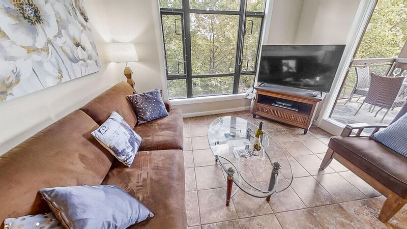 Two Bed Two Bath Corner Unit #432, holiday rental in Homfray Creek