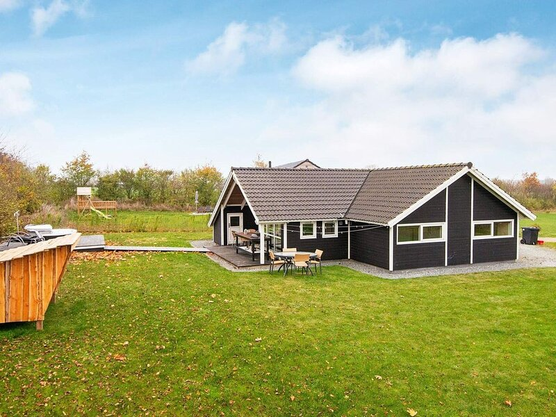 Cozy Holiday Home in Sydals with Whirlpool – semesterbostad i Sönderborg