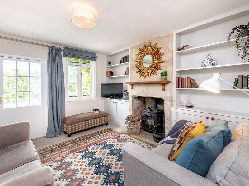 Brooks' View Romantic Cottage near Bath, holiday rental in Winsley