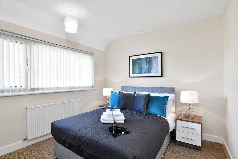 Xclusive Living Stay near Airport / NEC, The Whitecroft, holiday rental in Shirley
