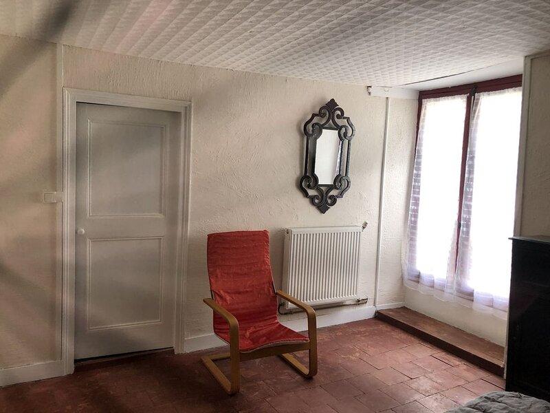 Alpes Mancelles - A 20 mn du Mans - Maison de ville cosy - 5 à 7 p. – semesterbostad i Beaumont-sur-Sarthe