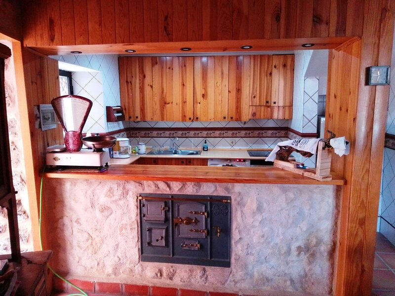 Old inn house, holiday rental in Milagros