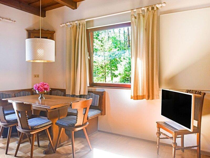 Cozy Chalet in Molln with Garden, holiday rental in Spital am Pyhrn