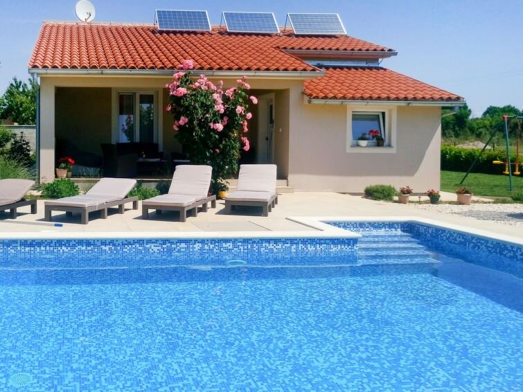 Vacation home Haus Paula  in Pula - Sikici, Istria - 6 persons, 2 bedrooms, holiday rental in Pula