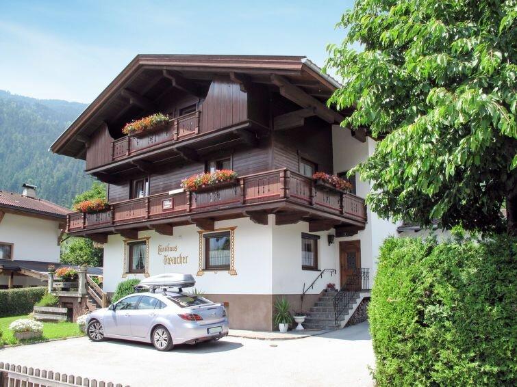 Ferienwohnung Taxacher (ZAZ765) in Zell am Ziller - 6 Personen, 3 Schlafzimmer, location de vacances à Aschau im Zillertal