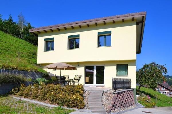 Ferienhaus Romoos für 6 - 8 Personen mit 2 Schlafzimmern - Ferienhaus, holiday rental in Ruswil