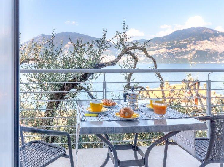 Ferienwohnung La Maison Blanche (BRZ155) in Brenzone - 2 Personen, 1 Schlafzimme – semesterbostad i Brenzone sul Garda