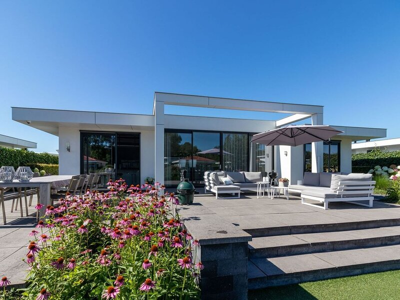 Splendid Holiday Home in Zeewolde with Garden – semesterbostad i Provinsen Flevoland