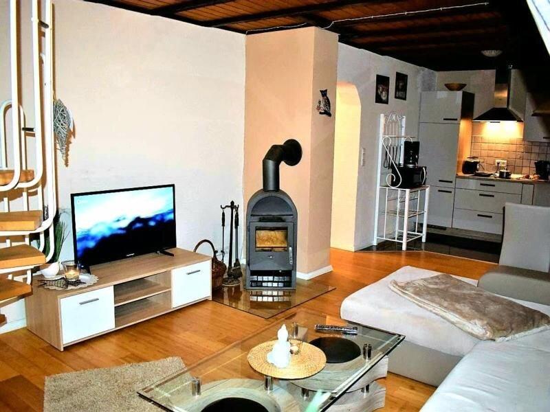 Ferienwohnung Berlingen für 2 - 4 Personen mit 2 Schlafzimmern - Ferienhaus, holiday rental in Hillesheim