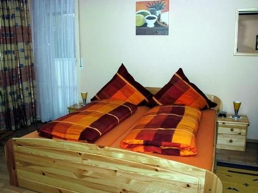 Holiday tandem for 4 - 12 people with 4 bedrooms - House, holiday rental in Augsburg