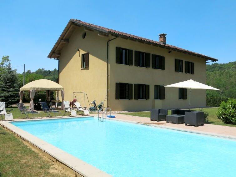 Ferienhaus Casa Nocciola (FRR100) in Ferrere - 11 Personen, 5 Schlafzimmer, vacation rental in Cantarana