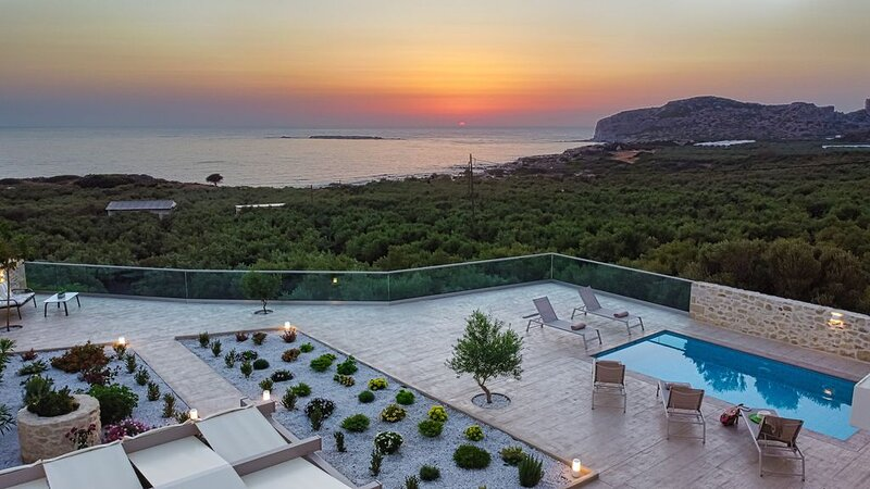 Villa Liakos | Luxury villa, gorgeous sea view, close to Falassarna Beach, alquiler de vacaciones en Phalasarna
