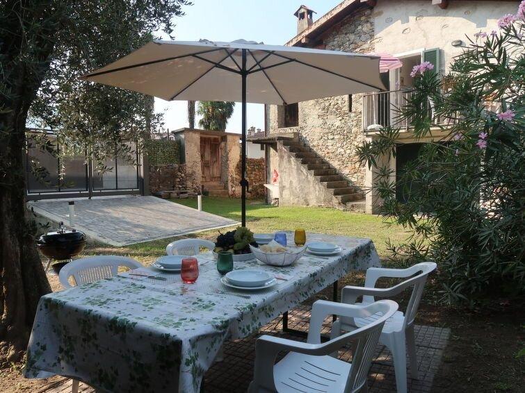 Ferienhaus Americo (DMA160) in Domaso - 4 Personen, 1 Schlafzimmer, vacation rental in Vercana