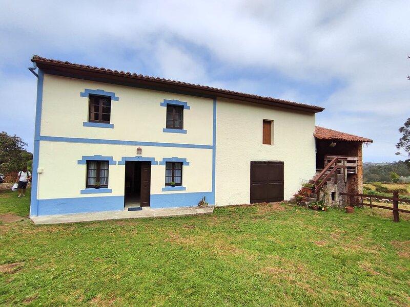 Casa Rural con encanto próxima a Playa de Rodiles, Ferienwohnung in Sales