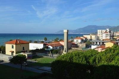 Ferienwohnung Ventimiglia für 4 - 6 Personen mit 2 Schlafzimmern - Ferienwohnung, holiday rental in Ventimiglia