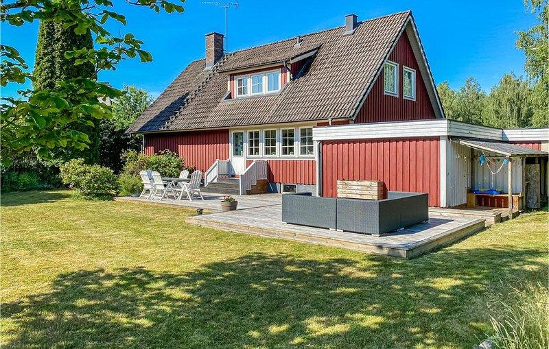 5 Zimmer Unterkunft in Vittaryd – semesterbostad i Ljungby
