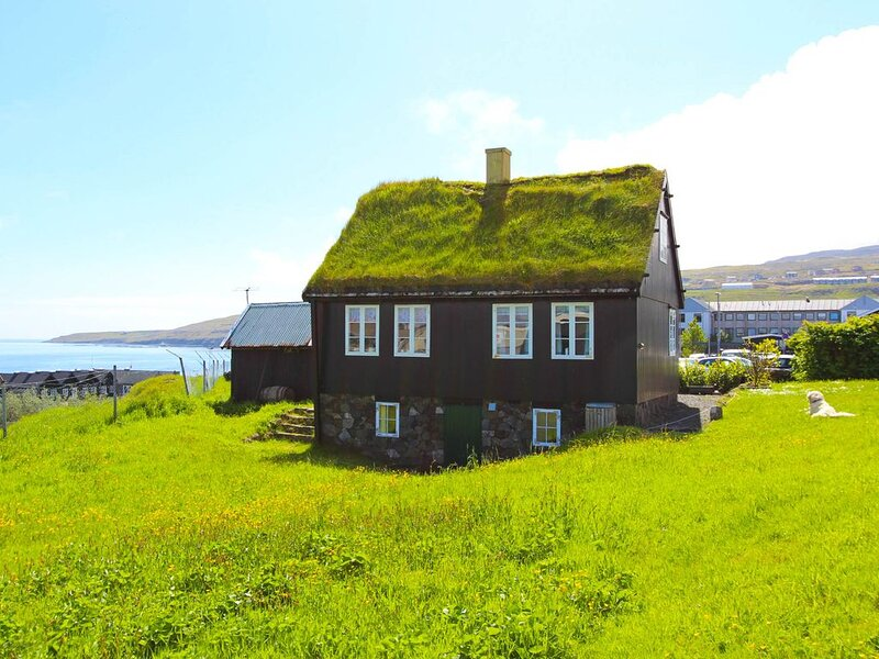 Traditional Faroese house in Tórshavns city center, holiday rental in Skálavík