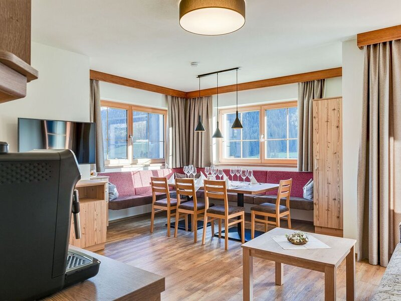 Exquisite Holiday Home near Ski Area in Königsleiten, aluguéis de temporada em Wald im Pinzgau