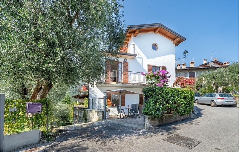 1 Zimmer Unterkunft in Toscolano Maderno (BS), holiday rental in Toscolano-Maderno