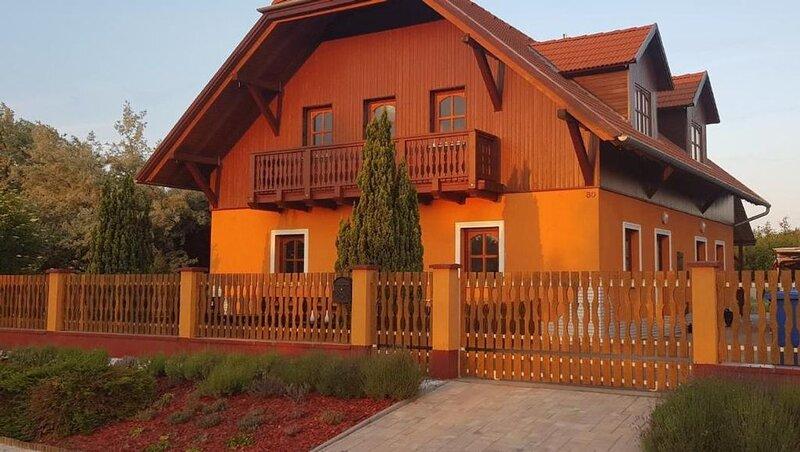 Ferienhaus Siófok für 2 - 6 Personen mit 3 Schlafzimmern - Ferienhaus, aluguéis de temporada em Balatonvilagos