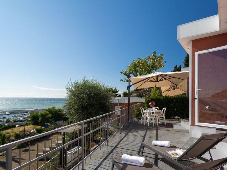 Ferienhaus Bouganvilla (SLR402) in San Lorenzo al Mare - 4 Personen, 2 Schlafzim, vacation rental in San Lorenzo al Mare