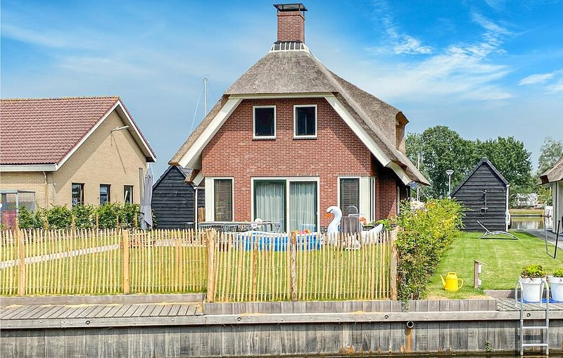 5 Zimmer Unterkunft in Idskenhuizen, vacation rental in Oudehaske