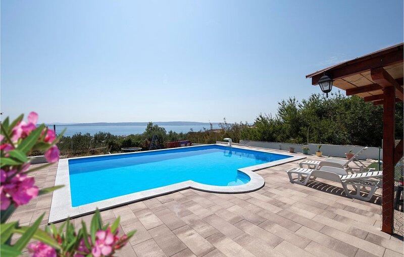 4 bedroom accommodation in Kastel Kambelovac, vacation rental in Kastel Kambelovac