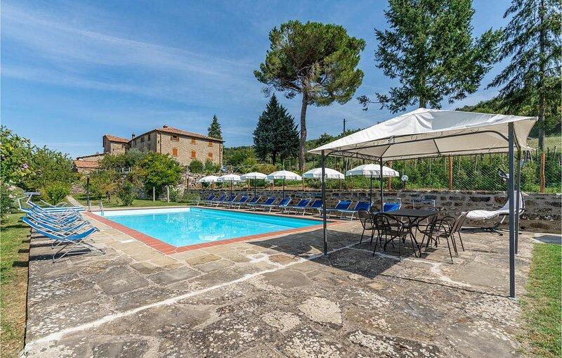 10 Zimmer Unterkunft in Cortona, holiday rental in Teverina