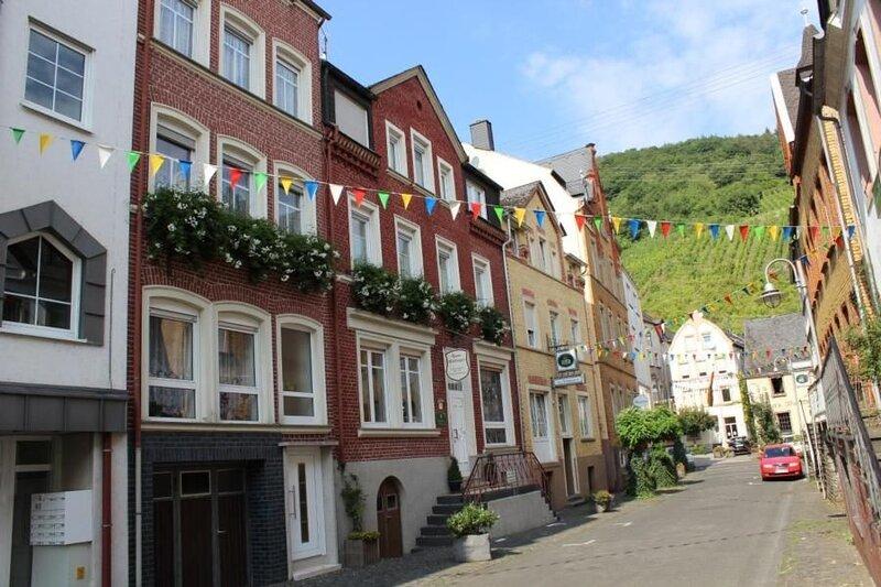 Ferienwohnung Alf für 5 Personen mit 3 Schlafzimmern - Ferienwohnung, holiday rental in Puenderich