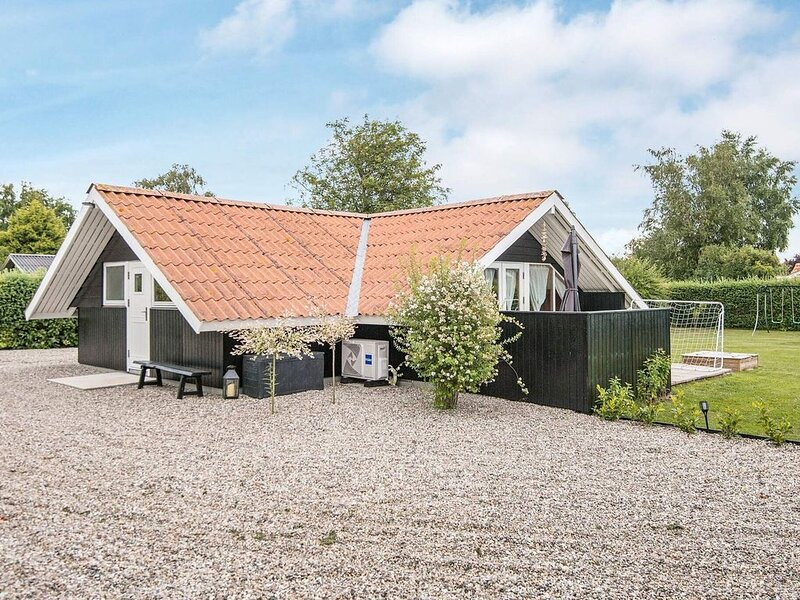 Premium Holiday Home in Jutland with beach nearby, location de vacances à Hejls