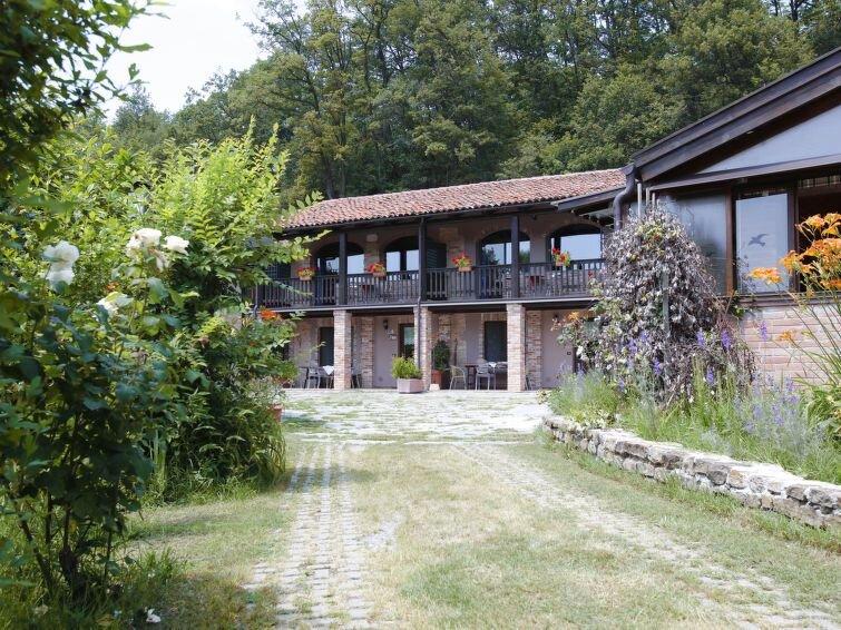 Ferienhaus Bianco (SVN100) in Serravalle Langhe - 4 Personen, 1 Schlafzimmer, alquiler vacacional en Serravalle Langhe