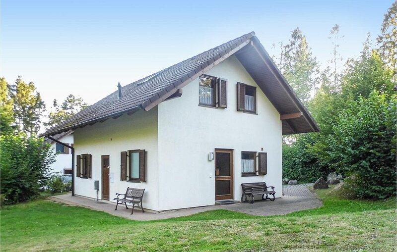 5 Zimmer Unterkunft in Kirchheim/Hessen, holiday rental in Schwarzenborn