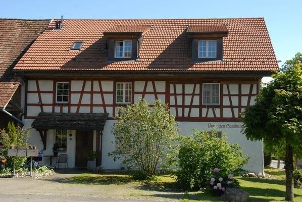 Ferienwohnung Hattenhausen für 4 Personen mit 2 Schlafzimmern - Ferienwohnung in, holiday rental in Steckborn