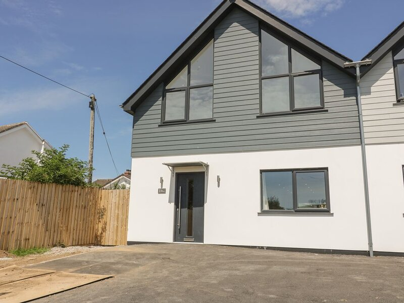 The Willows, GOONHAVERN, holiday rental in Goonhavern