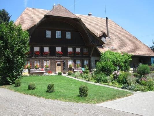 Ferienwohnung Rohrbach für 4 - 6 Personen mit 2 Schlafzimmern - Ferienwohnung, vacation rental in Utzigen