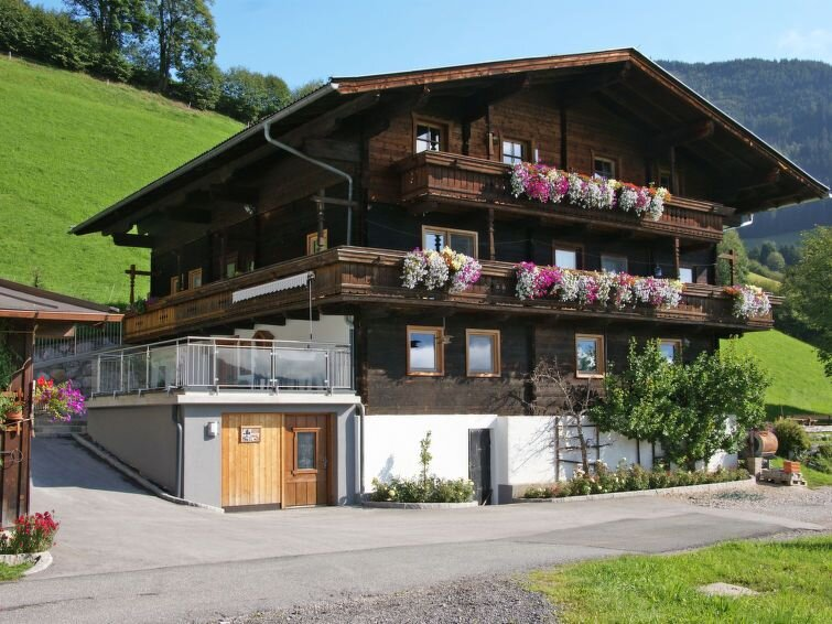 Ferienwohnung Angererhof (PID250) in Kaprun - 16 Personen, 4 Schlafzimmer, holiday rental in Piesendorf