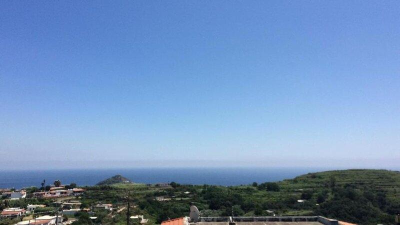 Ferienwohnung Forio für 1 - 6 Personen mit 3 Schlafzimmern - Ferienwohnung, holiday rental in Barano d'Ischia