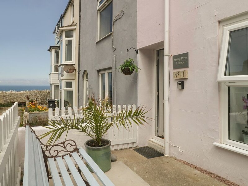 Spring Rose Cottage, FORTUNESWELL, vacation rental in Isle of Portland