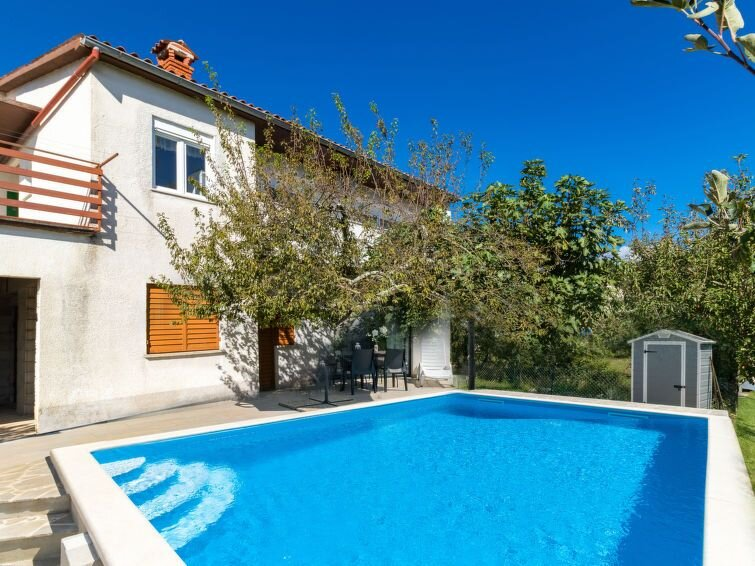 Vacation home Haus Larisa  in Pican, Istria - 7 persons, 3 bedrooms, holiday rental in Jakomici