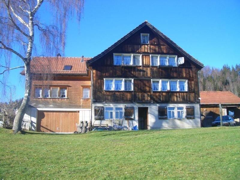 Ferienwohnung Appenzell für 4 Personen mit 2 Schlafzimmern - Ferienwohnung in Ba, holiday rental in St. Gallen